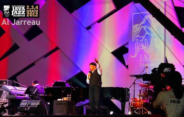 Java Jazz 2012 - Al Jarreau 02