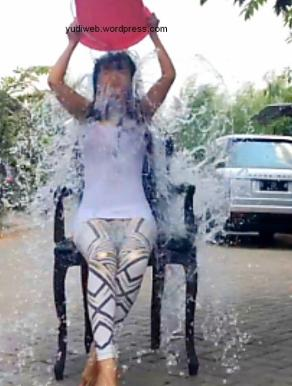 jupe-ice-bucket-challenge 03
