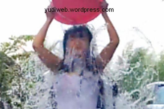 jupe-ice-bucket-challenge 04
