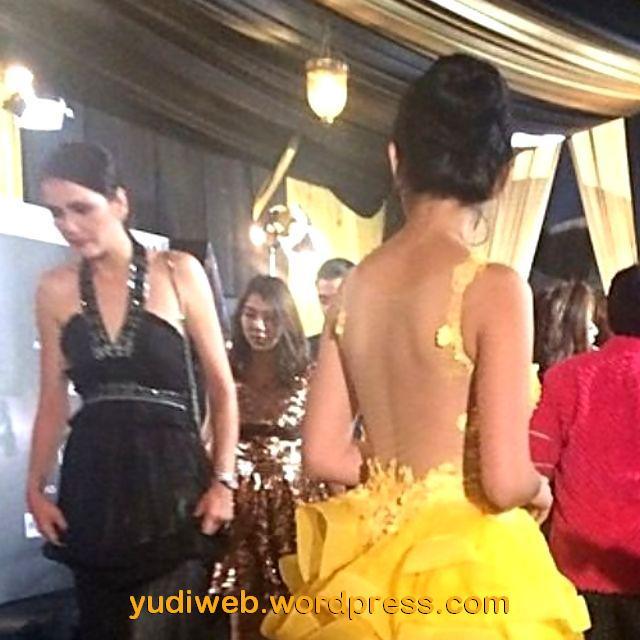 Gaun Tembus Pandang Jessica Iskandar 07
