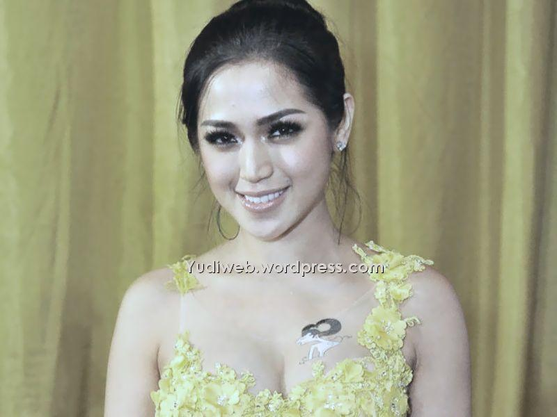 Jessica Iskandar Artis Hot Foto Hot Artis   Foto Bugil