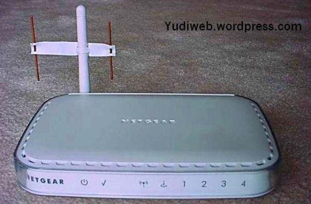 memperkuat signal-wifi-router-dengan 2 antena tembaga