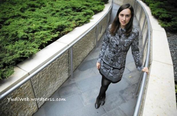 Sabrina Gonzalez sepintar Einstein 03
